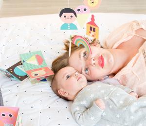 Imagiers pour bébés mobile bébé carton Ingela Arrhenius